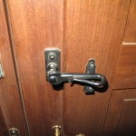 doorlatch